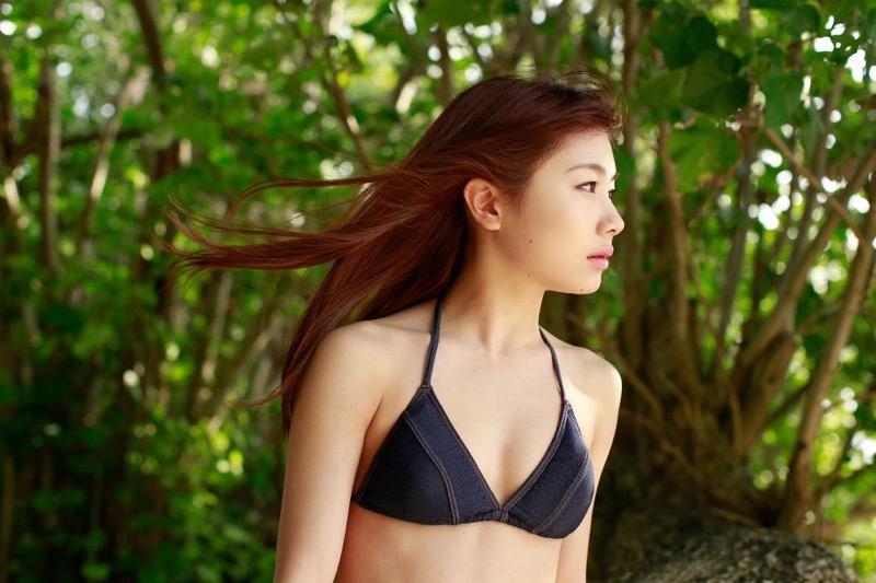 【石田亜佑美グラビア画像】爽やかな笑顔とエッチなクビレボディが魅力的なアイドルのビキニ姿がエロ過ぎた 86