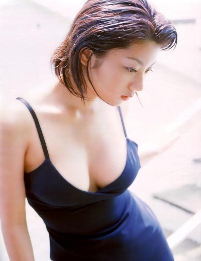 【小池栄子お宝画像】かつて人気を博したFカップ巨乳美人グラビアアイドルが復活を諦めたらしいw 03