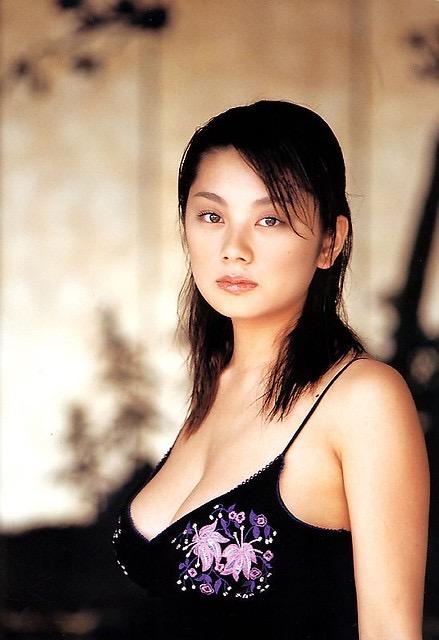 【小池栄子お宝画像】かつて人気を博したFカップ巨乳美人グラビアアイドルが復活を諦めたらしいw 07
