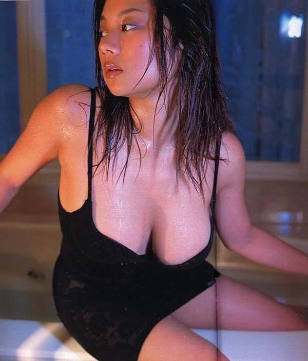 【小池栄子お宝画像】かつて人気を博したFカップ巨乳美人グラビアアイドルが復活を諦めたらしいw 12