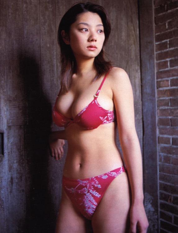 【小池栄子お宝画像】かつて人気を博したFカップ巨乳美人グラビアアイドルが復活を諦めたらしいw 13