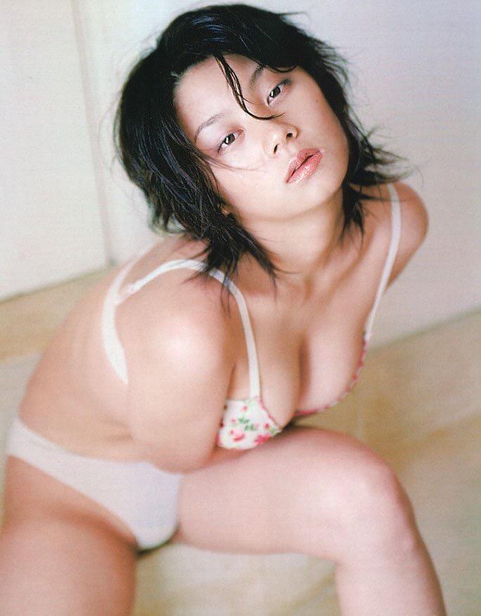 【小池栄子お宝画像】かつて人気を博したFカップ巨乳美人グラビアアイドルが復活を諦めたらしいw 24