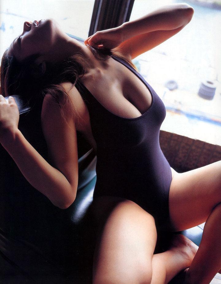 【小池栄子お宝画像】かつて人気を博したFカップ巨乳美人グラビアアイドルが復活を諦めたらしいw 25