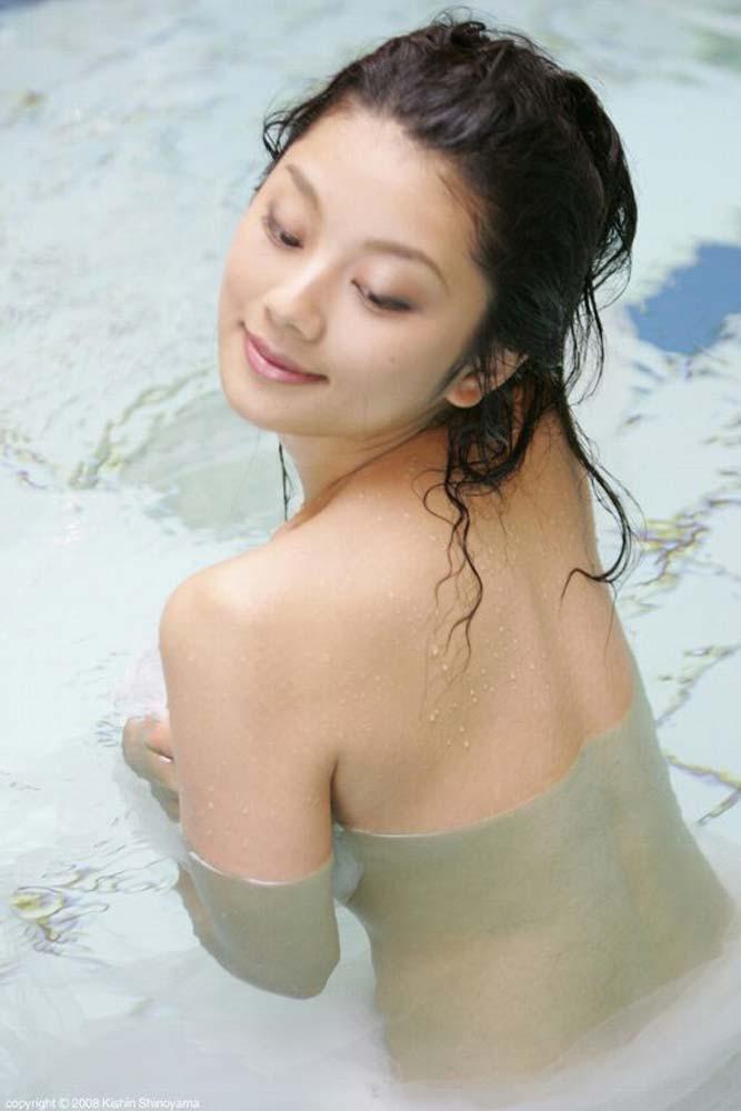 【小池栄子お宝画像】かつて人気を博したFカップ巨乳美人グラビアアイドルが復活を諦めたらしいw 27