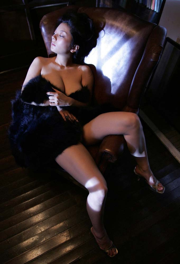 【小池栄子お宝画像】かつて人気を博したFカップ巨乳美人グラビアアイドルが復活を諦めたらしいw 28