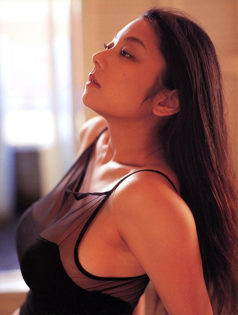 【小池栄子お宝画像】かつて人気を博したFカップ巨乳美人グラビアアイドルが復活を諦めたらしいw 37