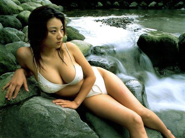 【小池栄子お宝画像】かつて人気を博したFカップ巨乳美人グラビアアイドルが復活を諦めたらしいw 43