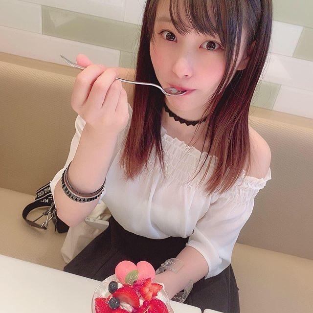 【塚田綾佳エロ画像】萌えを意識した衣装や紐が切れそうなビキニ姿がエロいけどグラドルじゃなかったw 50