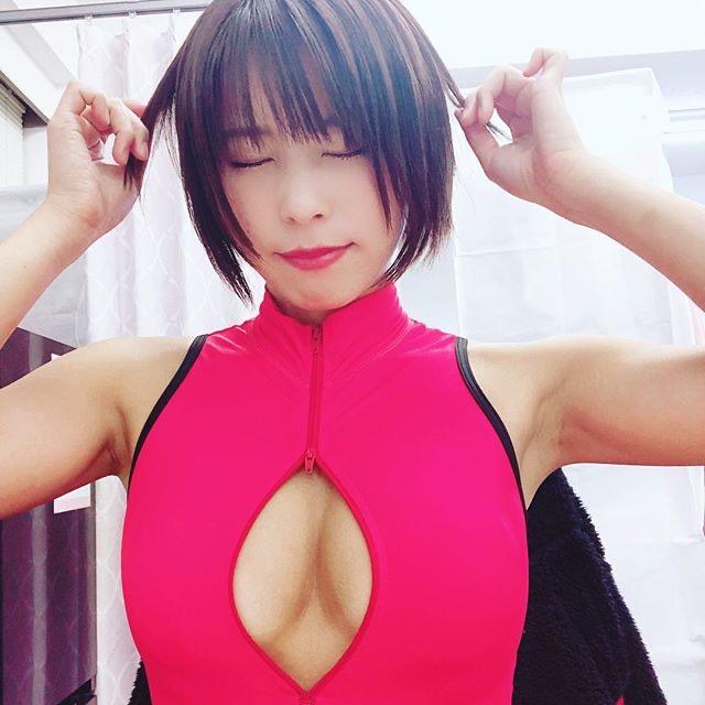 【塚田綾佳エロ画像】萌えを意識した衣装や紐が切れそうなビキニ姿がエロいけどグラドルじゃなかったw 69