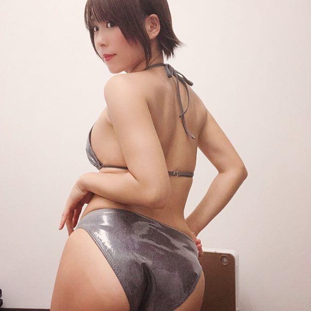 【塚田綾佳エロ画像】萌えを意識した衣装や紐が切れそうなビキニ姿がエロいけどグラドルじゃなかったw 79