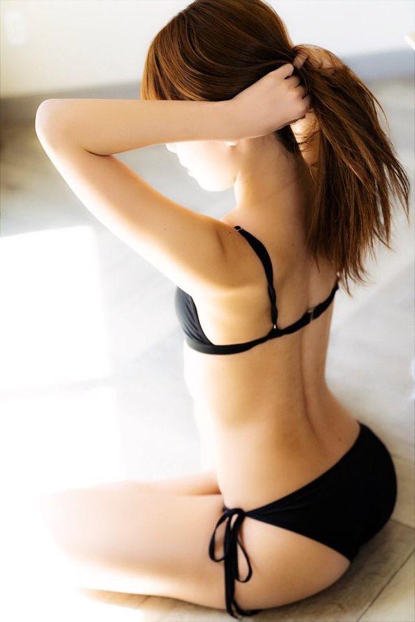 【福永ありさエロ画像】スタイル抜群なプロダンサーが披露しているお尻が抜けるエロセルフィー 27