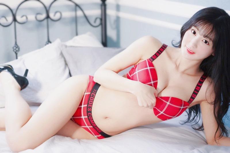 【池尻愛梨エロ画像】青森県からやって来たアニヲタを自称するコスプレが趣味の美尻グラドル