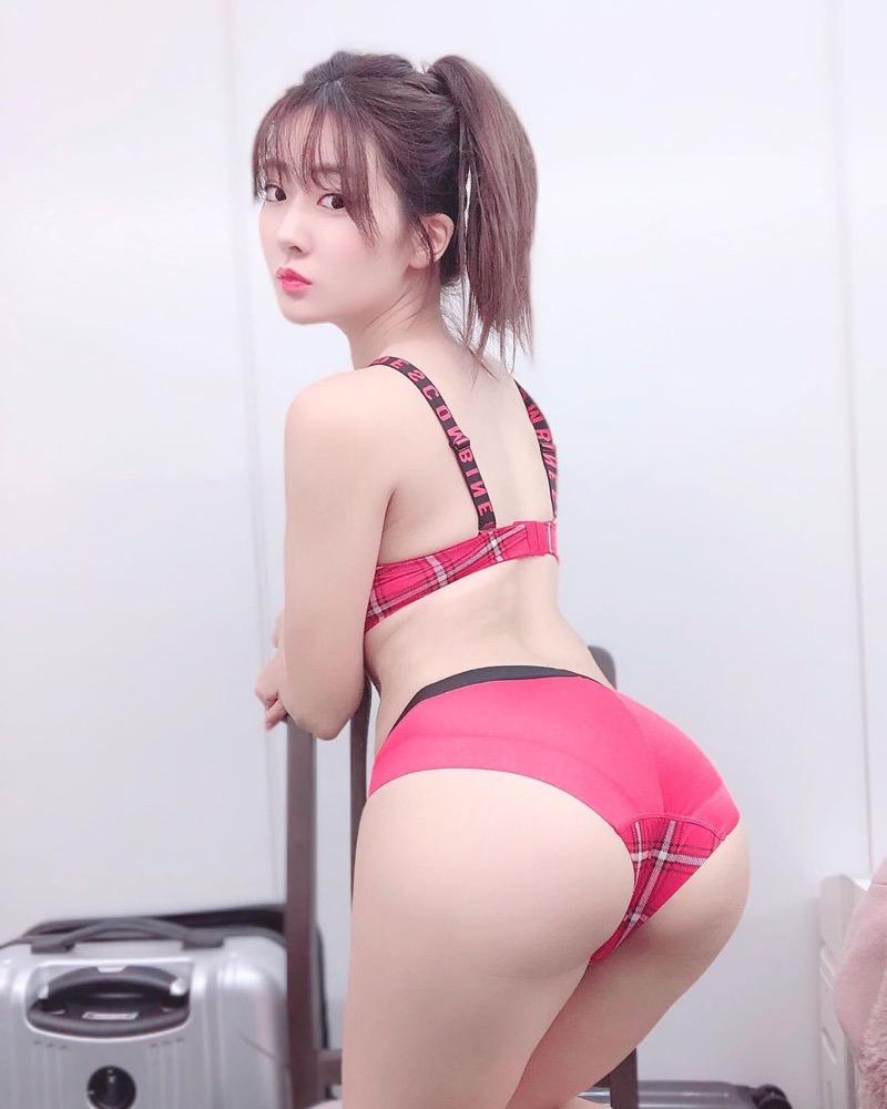 【池尻愛梨エロ画像】青森県からやって来たアニヲタを自称するコスプレが趣味の美尻グラドル 40
