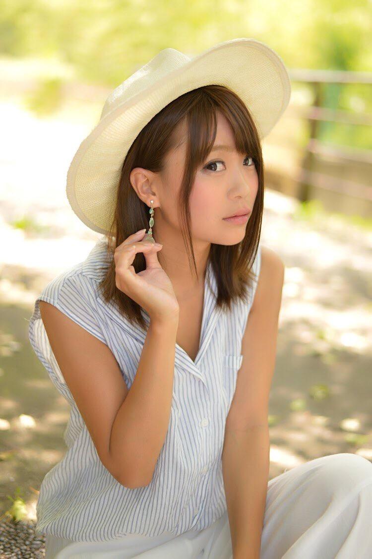 【阿久津真央グラビア画像】もしかしたら乃木坂アイドルになっていたかも知れない元レースクイーン美女 21