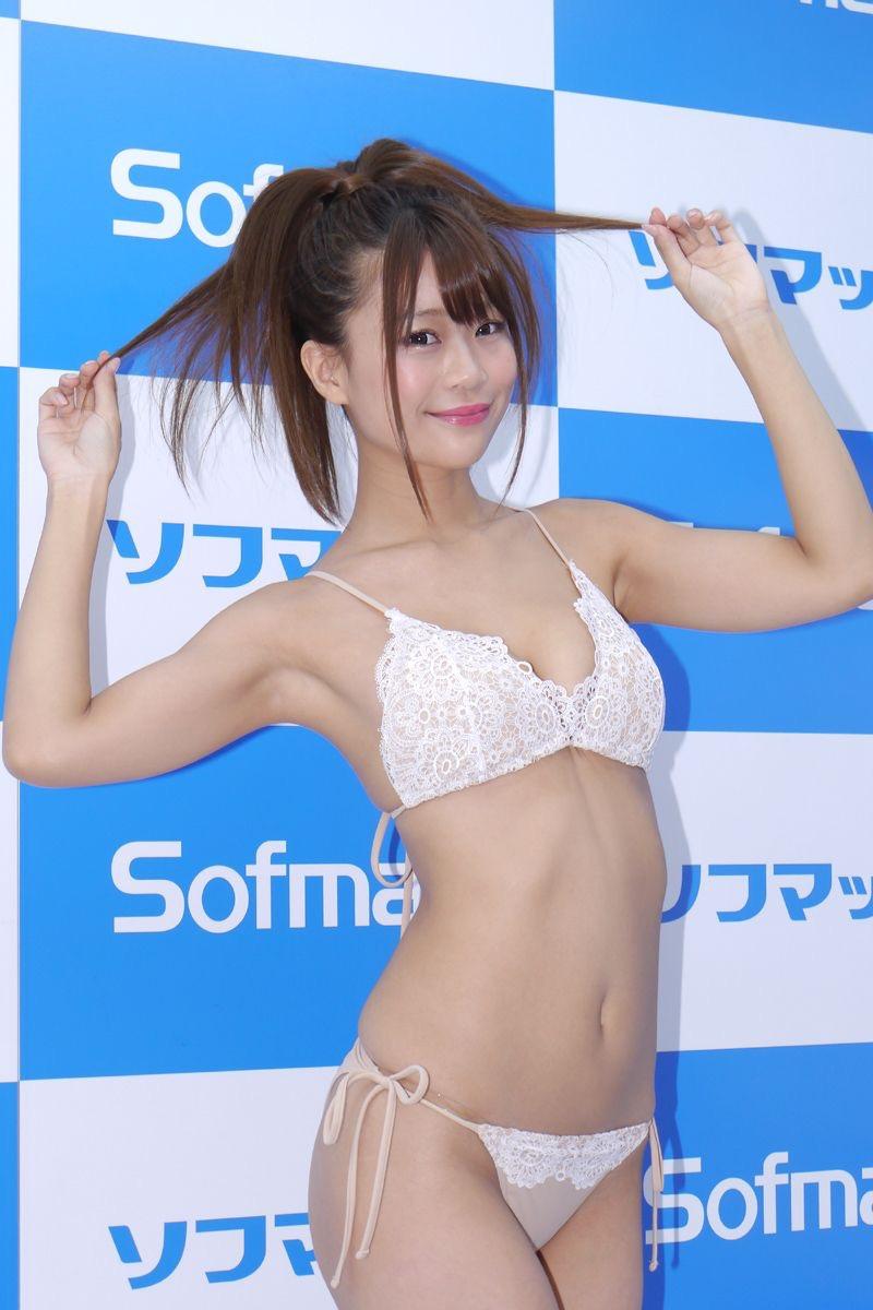 【阿久津真央グラビア画像】もしかしたら乃木坂アイドルになっていたかも知れない元レースクイーン美女 36