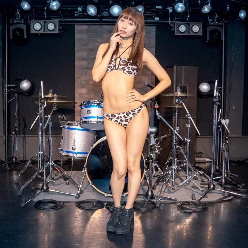 【日野アリスエロ画像】バンドでヴォーカルしながらエロい仕事もヤってるってマ~? 15