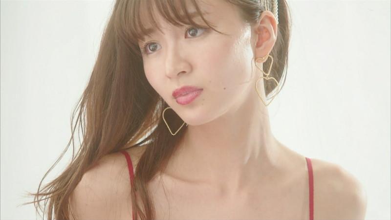 【岡崎紗絵キャプ画像】ファッションモデルから女優になった美女のセクシーなテレビ出演シーン 05