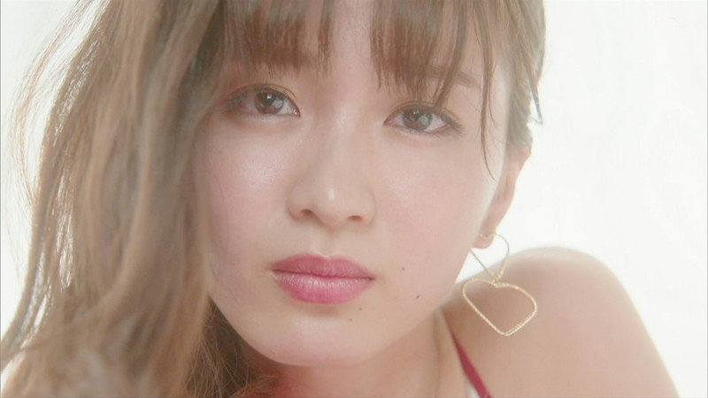 【岡崎紗絵キャプ画像】ファッションモデルから女優になった美女のセクシーなテレビ出演シーン 09