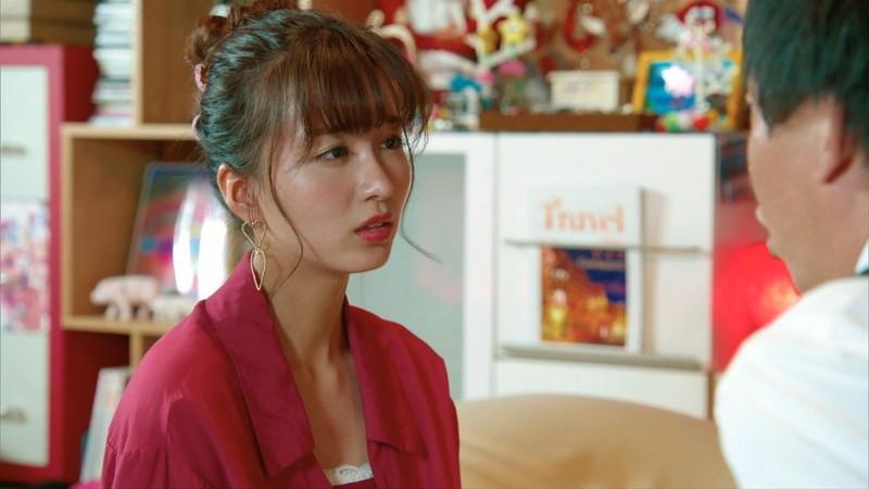 【岡崎紗絵キャプ画像】ファッションモデルから女優になった美女のセクシーなテレビ出演シーン 13