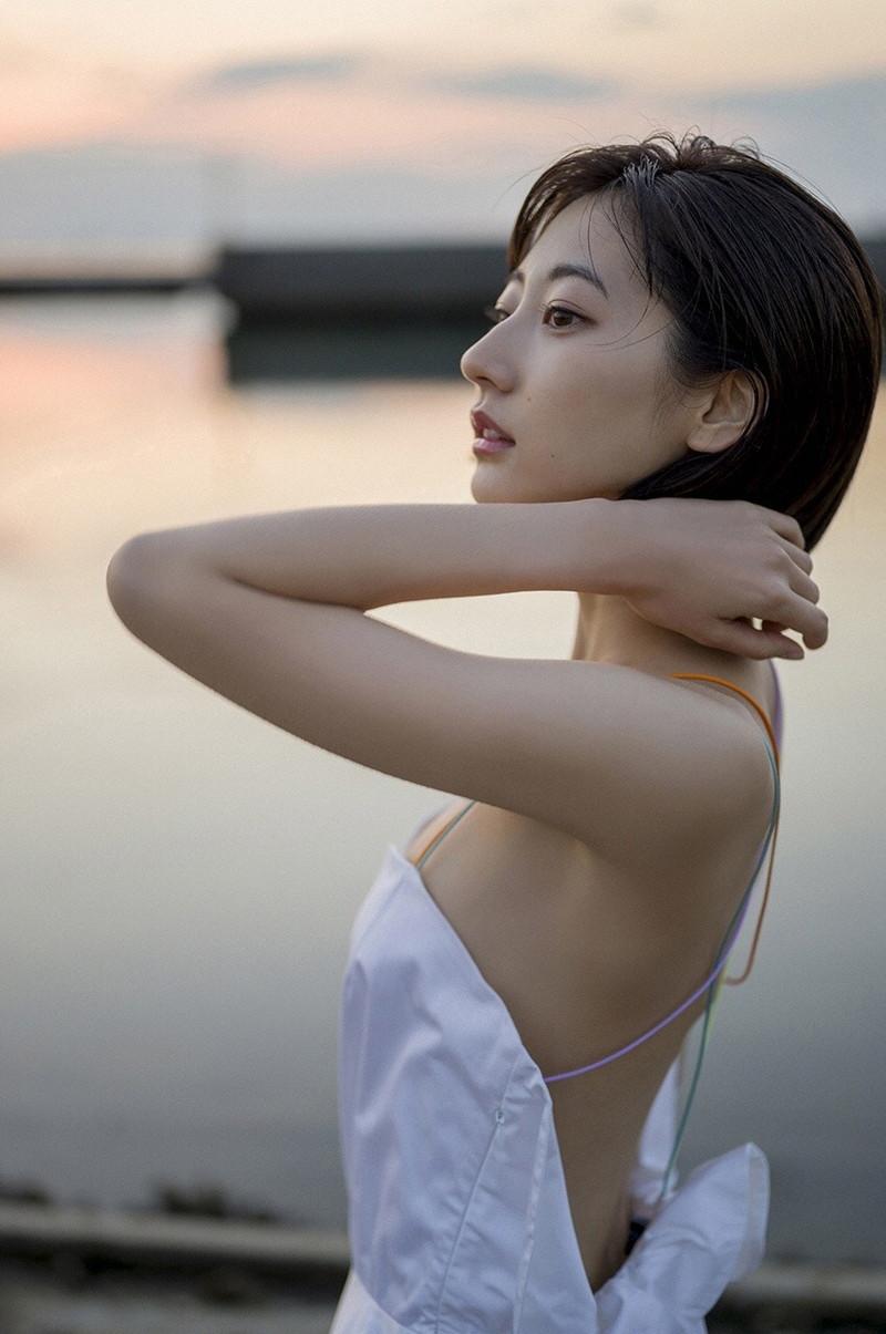 【武田玲奈グラビア画像】美少女モデルの綺麗なスレンダーボディが好き過ぎで手コキが捗るわw 39