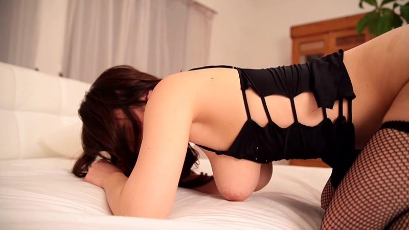 【倉持結愛エロ画像】AV女優からグラビアアイドルへ転身したちょっとめずらしい爆乳お姉さん 35