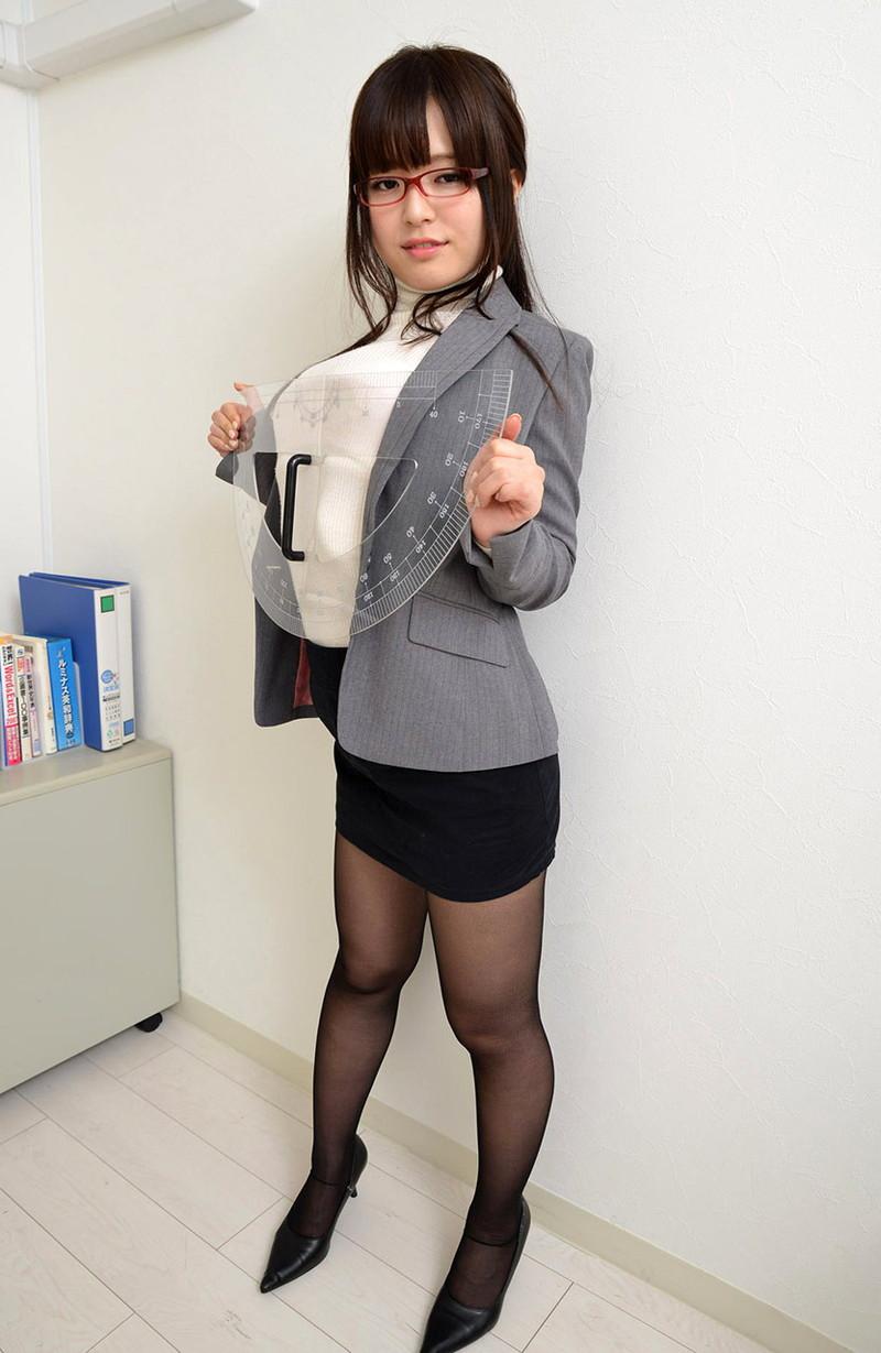 【倉持結愛エロ画像】AV女優からグラビアアイドルへ転身したちょっとめずらしい爆乳お姉さん 48
