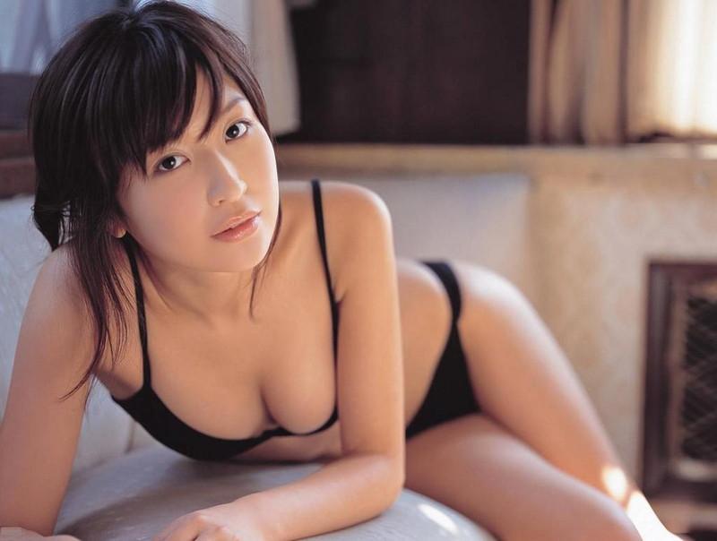 【小野真弓グラビア画像】はじめてのアコムで注目されたタレントのビキニグラビアを集めてみたw 16