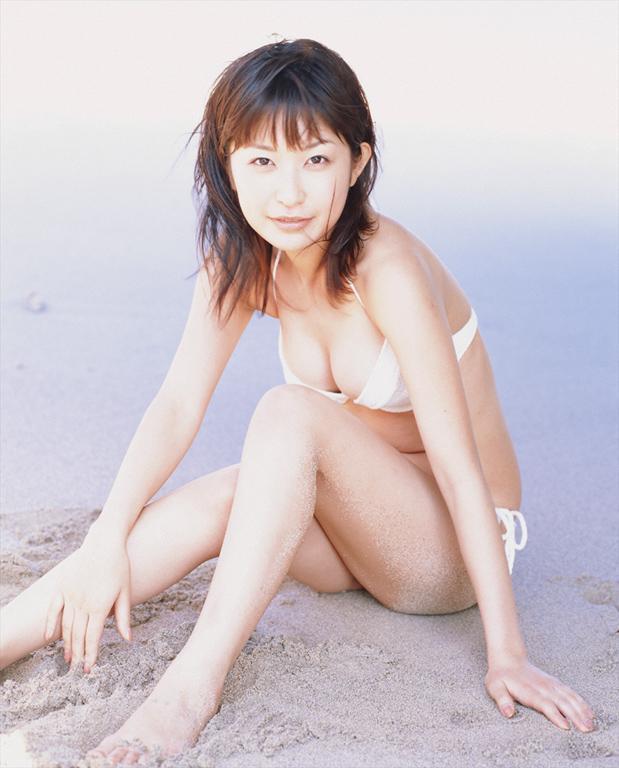 【小野真弓グラビア画像】はじめてのアコムで注目されたタレントのビキニグラビアを集めてみたw 41