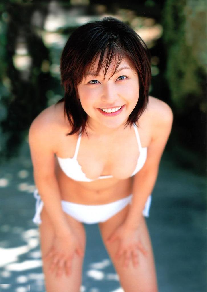 【小野真弓グラビア画像】はじめてのアコムで注目されたタレントのビキニグラビアを集めてみたw 73