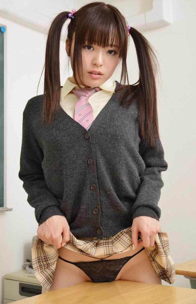 【ツインテールエロ画像】美少女の可愛さと萌えを更に引き立たせる髪型はコレ! 63