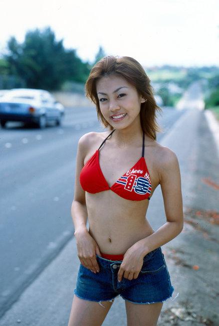 【あびる優グラビア画像】おはガールとして活躍していたタレントのセクシー写真を集めてみたw 05
