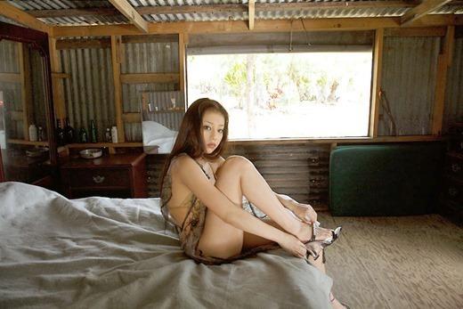 【あびる優グラビア画像】おはガールとして活躍していたタレントのセクシー写真を集めてみたw 48