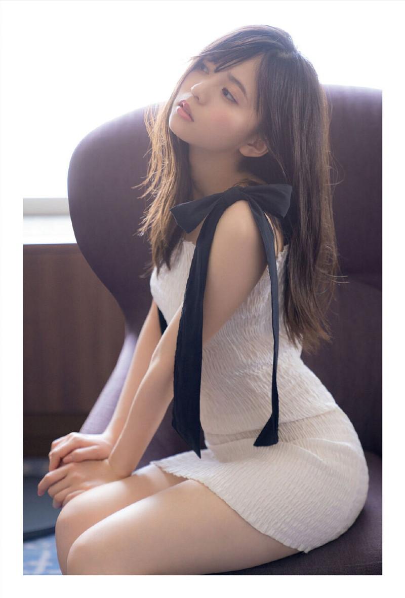 【乃木坂46エロ画像】ママと呼ばれてるアイドルグループの可愛くてちょっとエッチなグラビア写真 15