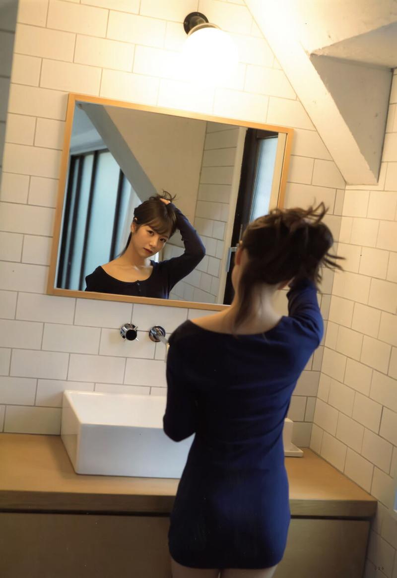 【乃木坂46エロ画像】ママと呼ばれてるアイドルグループの可愛くてちょっとエッチなグラビア写真 27
