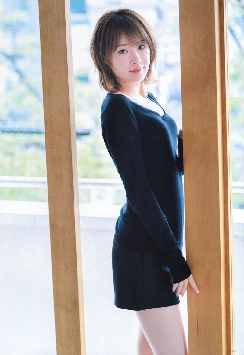 【乃木坂46エロ画像】ママと呼ばれてるアイドルグループの可愛くてちょっとエッチなグラビア写真 32