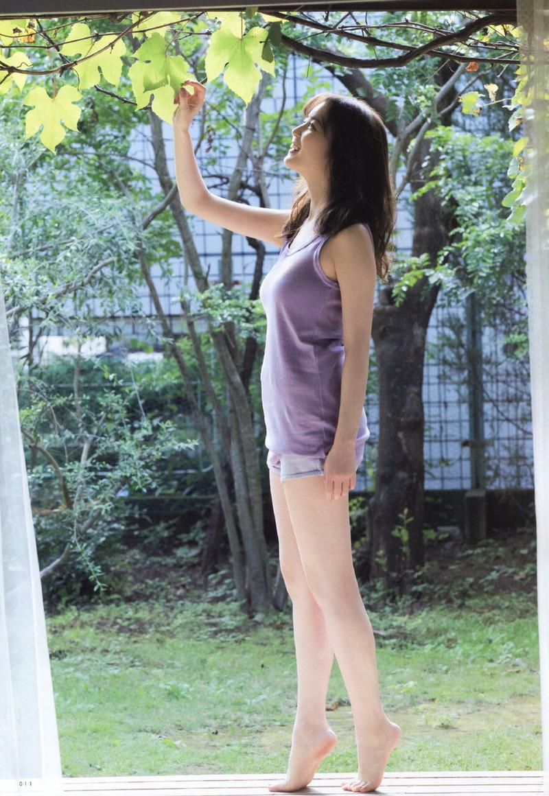 【乃木坂46エロ画像】ママと呼ばれてるアイドルグループの可愛くてちょっとエッチなグラビア写真 34