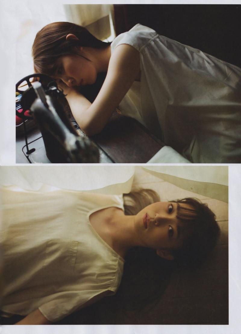 【乃木坂46エロ画像】ママと呼ばれてるアイドルグループの可愛くてちょっとエッチなグラビア写真 64