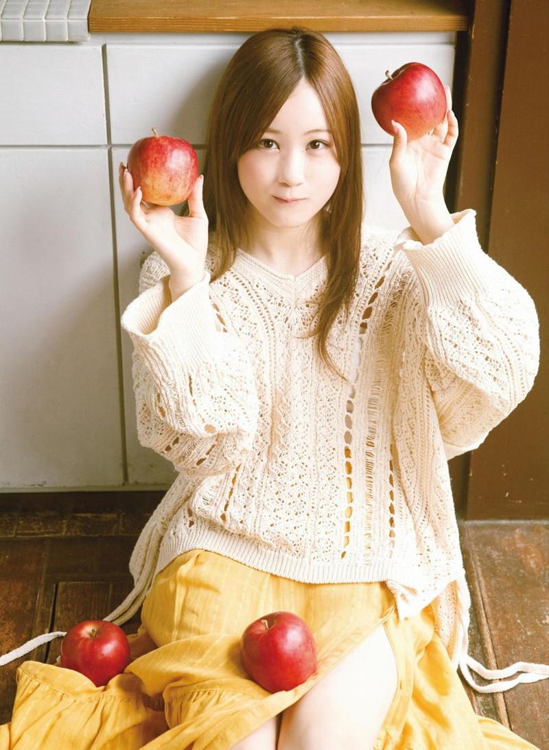 【乃木坂46エロ画像】ママと呼ばれてるアイドルグループの可愛くてちょっとエッチなグラビア写真 66
