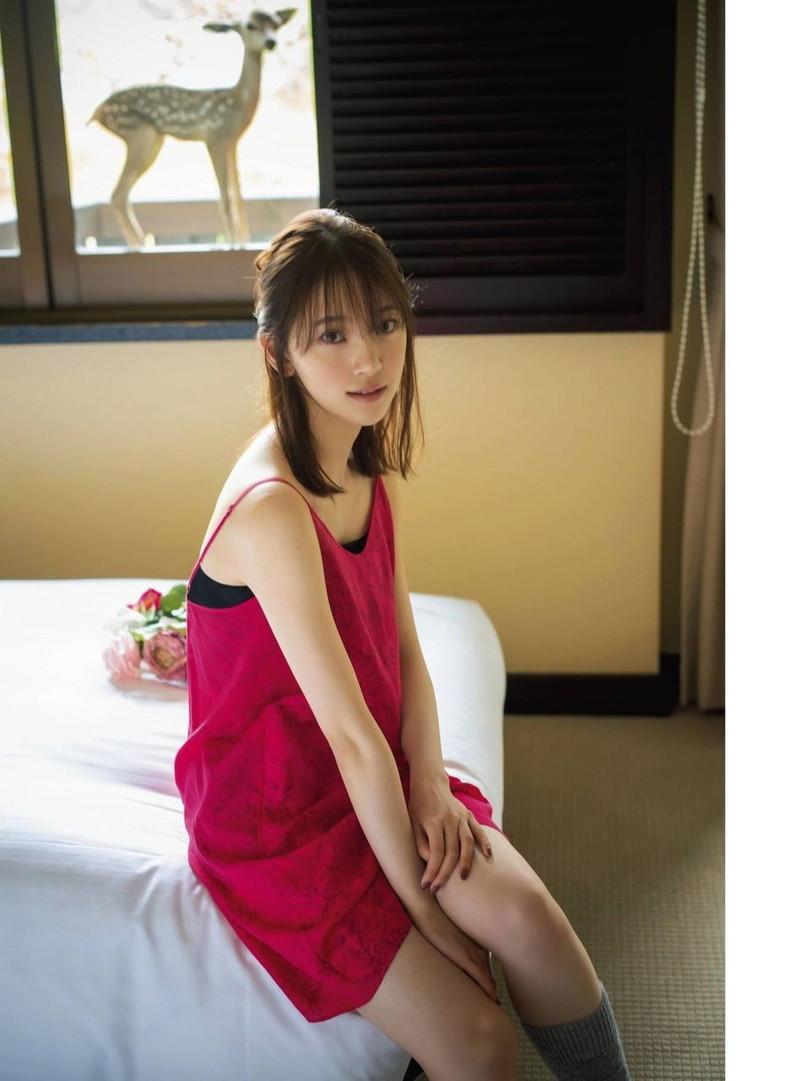 【乃木坂46エロ画像】ママと呼ばれてるアイドルグループの可愛くてちょっとエッチなグラビア写真 77