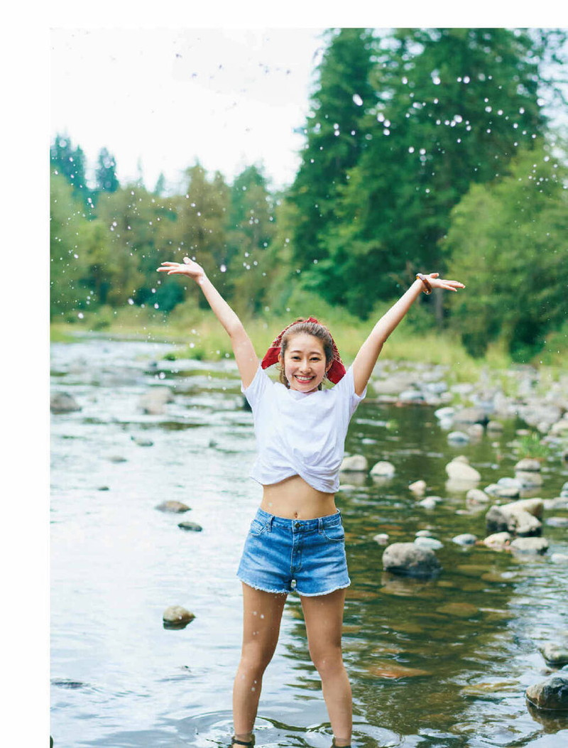 【乃木坂46エロ画像】ママと呼ばれてるアイドルグループの可愛くてちょっとエッチなグラビア写真 84