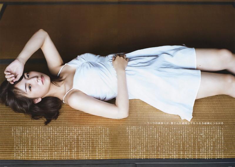 【乃木坂46エロ画像】ママと呼ばれてるアイドルグループの可愛くてちょっとエッチなグラビア写真 96