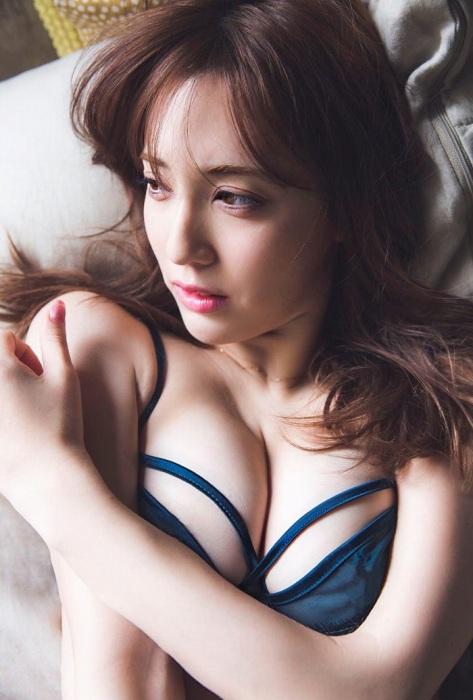 【朝比パメラグラビア画像】ニューヨーク産まれのハーフ美人が魅せるランジェリー姿がマジエロいw 24