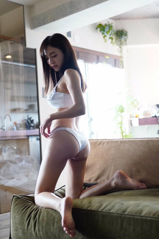 【朝比パメラグラビア画像】ニューヨーク産まれのハーフ美人が魅せるランジェリー姿がマジエロいw 44