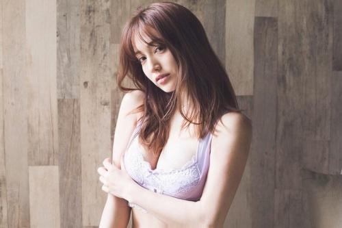 【朝比パメラグラビア画像】ニューヨーク産まれのハーフ美人が魅せるランジェリー姿がマジエロいw 58