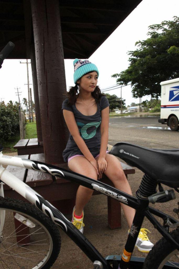 【石川梨華グラビア画像】元モーニング娘。4期メンバーが披露したグラドルにも負けないビキニ姿 18