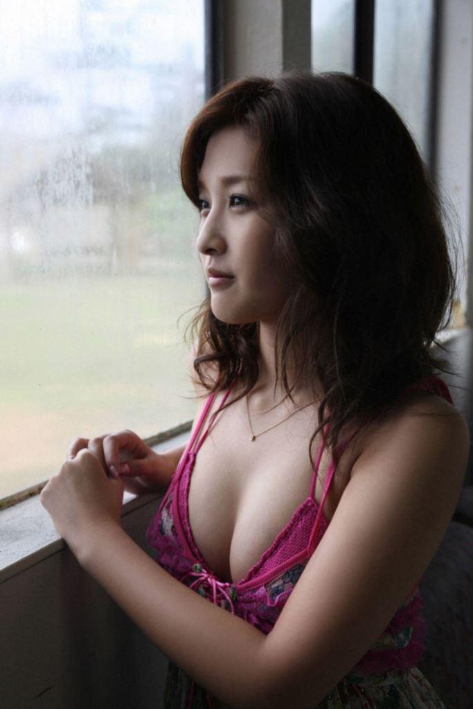 【石川梨華グラビア画像】元モーニング娘。4期メンバーが披露したグラドルにも負けないビキニ姿 44