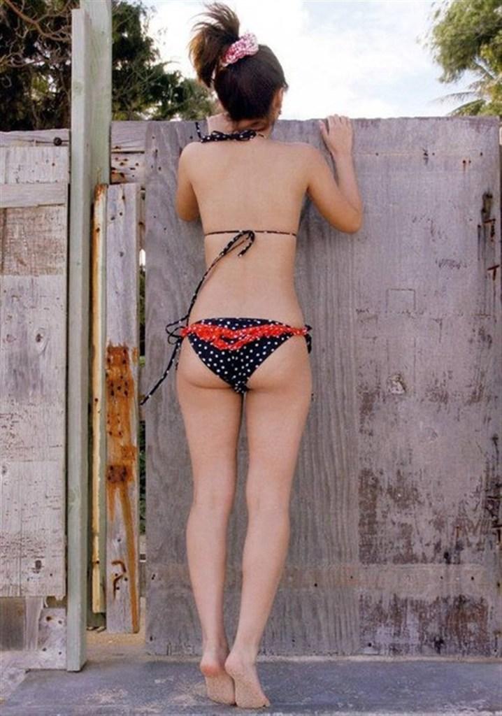 【石川梨華グラビア画像】元モーニング娘。4期メンバーが披露したグラドルにも負けないビキニ姿 56