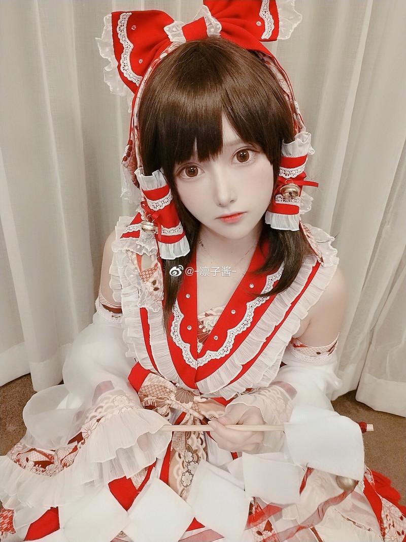 【コスプレエロ画像】中国出身コスプレイヤー凛子が扮する美少女キャラが美し過ぎたwwww 63