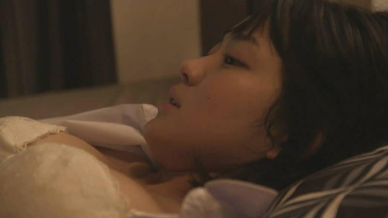 【JKキャプ画像】深夜ドラマでイケメンにパンティー脱がされて愛撫されるJKがエロいwww 05