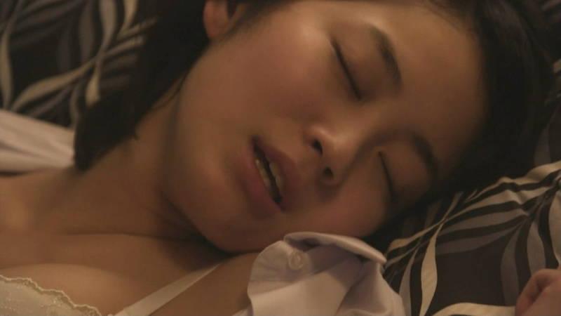 【JKキャプ画像】深夜ドラマでイケメンにパンティー脱がされて愛撫されるJKがエロいwww 07